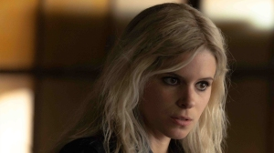 Bree (Kate Mara, older sister of Rooney Mara), one of the anti-tech terrorists behind the shooting of Dr. Will Caster.