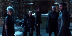 Storm (Halle Berry), Professor X (Patrick Stewart), Blink (Blingbling Fan), Magneto (Ian McKellen) and Wolverine (Hugh Jackman) decide upon their plan of action, whilst watching in horror as the Sentinels attack.