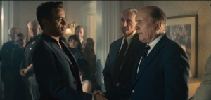 Hank (Robert Downey Jr) reunites with his father, Judge Joseph (Robert Duvall), who virtually shuns him.