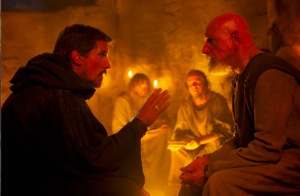 Moses (Christian Bale) speaking with Nun (Ben Kingsley), one of the enslaved leaders of the Jewish tribes in Piton, about the need to escape Egypt.