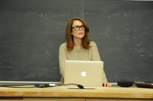 Professor Alice Howland (Julianne Moore) lecturing  her students at the start of the film.