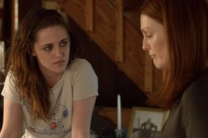 Alice explaining to Lydia (Kristen Stewart) what it is like for her to have Alzheimer's.